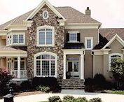 Exteriors / Home exteriors, elegant homes, beautiful properties, mansions, houses with pools, beautiful arches.
