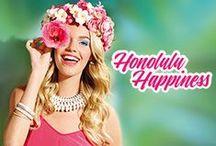BeYu Honolulu Happiness / Next Stop: Honolulu.  Duftende Blütenkränze und ein freundliches Aloha! zur Begrüßung. Die Unbefangenheit der Hawaiianer zeigt sich nicht nur im Aloha-Spirit, sondern auch in der paradiesischen Natur: farbprächtige Plumeria- und Hibiscusblüten,  saftiggrüne Regenwälder sowie sonnenverwöhnte  Strände.Von der Leichtigkeit & Farbpracht Honolulus  inspiriert, bringt BeYu die Trend-Kollektion  Honolulu Happiness auf den Markt!