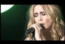 My favorite music video's / by Paula Klaasen