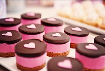 {Valentine's Days Sweets & Treats} / Who doesn't just love Valentine's day? Love is in the air. Here you will find lots of fun ideas that include crafts, recipes and much more