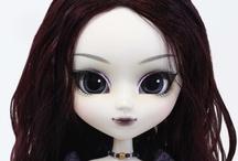 Dolls, Figures & Toys