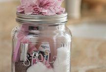 gift ideas / by Jessica Silvestri