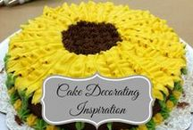 Crafts: Cake and cupcake decorating / by Isabelle Potter @ IzzyCards