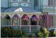 Home Sweet Home / Dream homes  / by Connie Perteet