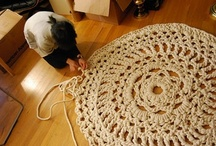CROCHET RUGS AND DOILY PATTERNS / ALL PATTERNS FREE WITH A LINK BACK TO SITE.