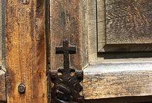 Doors~Windows & Knobs / by Lynn Leone