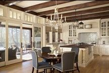 Kitchens / by Kelly Dumais
