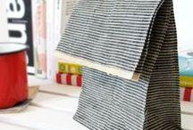 Knitting bags / by Ulrika Fröberg