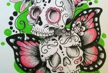 Girly girl Skulls / Fascinating yet Dark and Morbid with a Touch of Femininity... Sugar skulls, Day of the dead