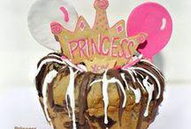 Laineys Cakes / Laineys Yummy Cakes for Your Babies!  4 Legged Babies :O)