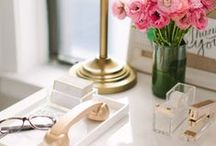 Feminine Home Office Inspo / Create a home office that feeds your soul and inspires your to build your business.