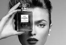 Parfums de… \ / « Une femme sans parfum est une femme sans avenir. » Coco Chanel