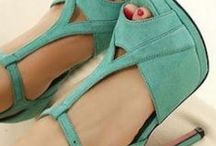 Shoes <3 / by Elizabeth Chaves Arrieta