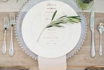 Place Settings / These wedding day table setting tips and ideas will set you up with the perfect look for your wedding reception!
