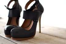 Wear {Shoes} / by Patricia LoPiccolo
