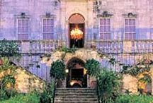 Enter {Doorways & Exteriors} / by Patricia LoPiccolo