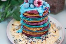 Food: Pancakes / Who doesn't love pancakes? A collection of the prettiest pancakes and perfect pancake recipes.