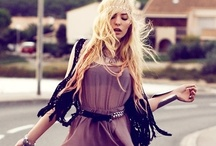 Romantic boho / Outfits ranging from and mixing, casual looks and romantic styles for a strong yet feminine look.