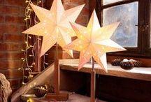 Weihnachten @ OTTO / Der Duft von frischgebackenen Plätzchen und heißem Glühwein liegt in der Luft, Lichtermeere zaubern festlichen Glanz in die Dunkelheit, zu Hause wird es richtig gemütlich während draußen der erste Schnee fällt, Strickpullover, Mütze und Schal werden unsere liebsten Begleiter und mit persönlichen Geschenken bringen wir unsere Liebsten zum Strahlen – ganz klar: Die Weihnachtszeit ist da!  Entdeckt gleich unsere aktuellen Tipps & Ideen für unvergesslich schöne Festtage.