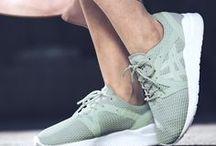 Sneaker @ OTTO / Für alle Sneakerheads, Turnschuh-Liebhaber und Freunde des sportlich-coolen Schuhwerks: Lass dich von den neuesten Styles, Trends, Marken und Farben inspirieren – und schnapp Dir dein neues Paar Lieblingsschuhe! Oder zwei? Oder drei?