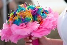 Rainbow and Tinted Rose Ideas / Check ideas for your wedding flower decorations