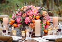 Fall Flower Wedding Ideas / Autumn is now upon us! This means fall weddings full of all kinds of shades of orange, yellow, and red flowers! Great DIY wedding ideas for the bride planning their fall wedding.