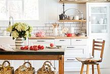 k i t c h e n / kitchens, their decor, layout & styling that inspire me / by t o r s // life en français