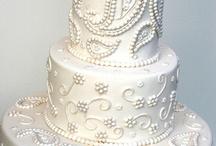 Creative Cakes / by Kirstin Grey
