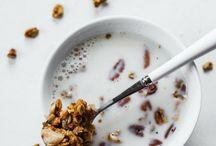 VEGAN BREAKFAST / Recipes for vegan breakfast options.