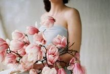 Spring Wedding Inspiration / All the inspiration you need for your spring wedding: bouquet, decor, dress, accessories, venue