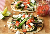 Recipes & Yummy Stuff / by Jennifer Hull