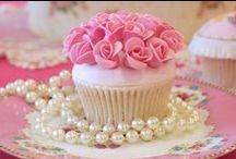 {Cupcake Cafe} / crazy for cupcakes...