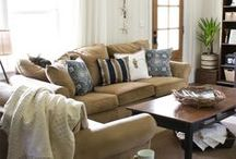 Home Decor: Living Room / by Susan Pearson