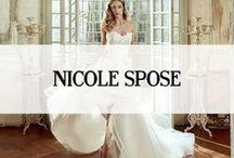 NICOLE SPOSE / Nicole is een bruidsmodemerk afkomstig uit  Italië. Deze bruidsjurken kenmerken zich door de verfijnde ontwerpen, het materiaalgebruik en de romantische uitstraling. Het merk Nicole heeft dankzij de detaillistische bewerkingen een prachtige uitstraling. #nicole #spose #koonings
