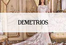 DEMETRIOS / Demetrios is een bruidsmodemerk afkomstig uit de Verenigde Staten. De bruidscollectie van Demetrios kan getypeerd worden als omvangrijk. Van fijn kantwerk tot aan unieke weefsels wordt elke bruidsjurk op unieke wijze geproduceerd. De stijl van deze bruidsjurken kunt u plaatsen in de categorieën stijlvol en romantisch.