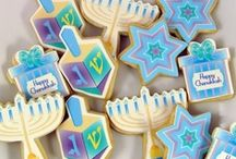 Hanukkah / by Hanan Webster // EatCraftParent