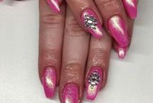 Nail Art, Nail Polish & Nail Care / You don't need to be a professional nail tech to get these great looks. Keep your hands, nails, and cuticles in great shape with easy ideas for nail care. We also have everything you need from nail art inspiration to polishes we adore. Want to see how it's done? Let these nail art video tutorials demystify all the hottest nail designs. http://www.divinecaroline.com/beauty/nails
