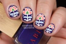 Nail ART with Flowers / by Jules Whittemore