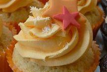 Cupcakes! & Cakes! / by Anita Sollars