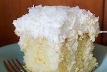 Cake Recipes / by Dawn Stubbins