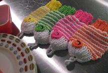 knit cloth.  / Knitting dish cloths, wash cloths, etc / by Del