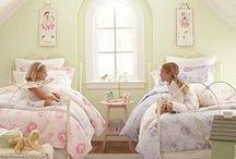 Girl's Room / by Kaki Cobb