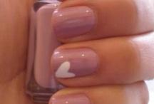 freshhh nails / by Vann