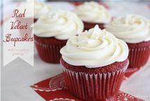 Cakes & Cake Pops / by Liz {Liz on Call}