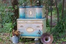 PAINTED FURNITURE / by Patricia Mock