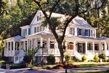 Home Exteriors / by Hollie Davis