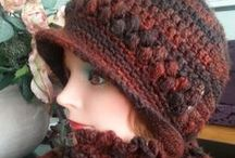 Head Bands and crochet,knitted hats  /GORRAS TEJIDAS/CROCHET / I love knitting hats so one day I will have a big collection of hats for winter, now I share with all who loves this as well ;) / by Sandra DLB