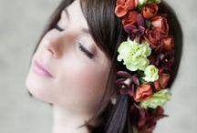 Beleza de Noiva / Inspirações de maquiagem e penteado para noivas, madrinhas e mães