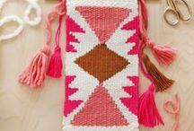 WEBEN und MAKRAMEE / DIY Deko Ideen Weben und Makramee  Weben, weaving, makramee, macrame, Wandteppich, Wandschmuck, Teppich weben, wallhanging
