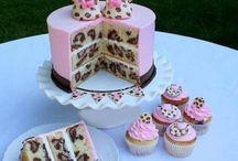 Amazing Cakes / by Kaylyn Howard